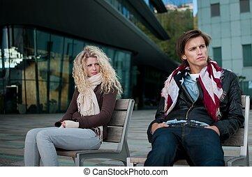 Problemas de relaciones, pareja al aire libre