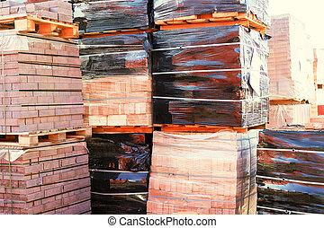 producido, outdoors., paletas, construcción, concepto, paquetes, reparación, edificio, calle., materiales, rojo, wholesale., ladrillos, almacén, recientemente