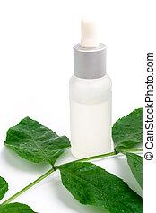 Productos cosméticos con hojas verdes