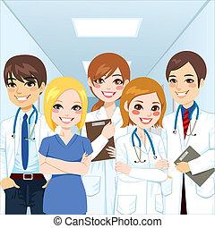 Profesionales del equipo médico