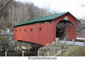 Puente cubierto