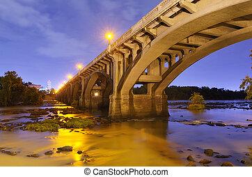 Puente de la calle Gervais