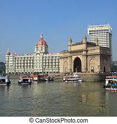 Puerta de la India y del hotel Taj Mahal Palace en Mumbai (exly Bombay), India, Asia