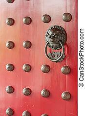 Puerta tradicional china roja