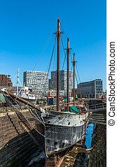Puerto seco Liverpool