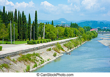 río, mzymta, sochi, terraplén