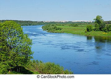 Río oeste dvina en Belarus