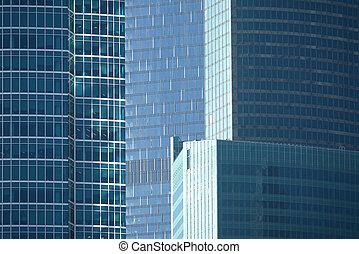 Rascacielos en el grupo de oficinas