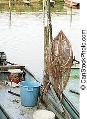 Red de pesca en el barco
