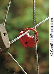 Red Lock en forma de corazón en el puente de cuerdas