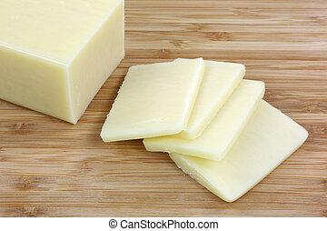 Reducen rebanadas de queso