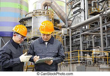 Refinería de aceite de ingeniero