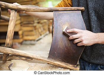 Restauración de muebles de madera