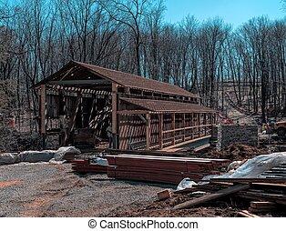 Restaurando puente cubierto
