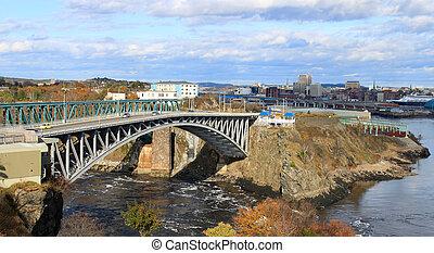 Retornar el puente cae, el santo John NB