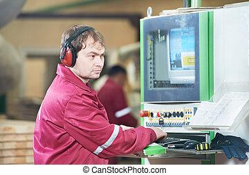 Retrato de carpintero con máquina CNC