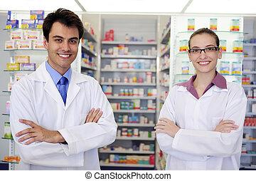 Retrato de farmacéuticos en la farmacia