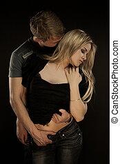 Retrato de pareja joven