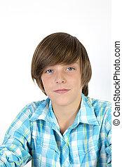 Retrato de un adolescente, sonriendo