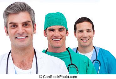 Retrato de un equipo médico de hombres