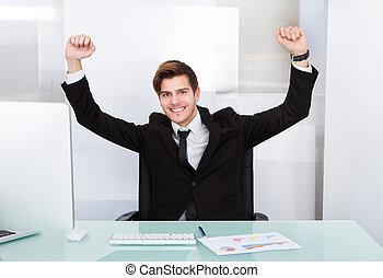 Retrato de un exitoso hombre de negocios