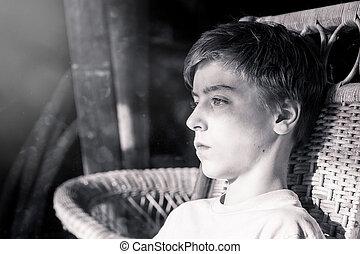 Retrato de un hermoso adolescente