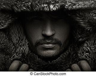 Retrato de un joven con capucha de piel