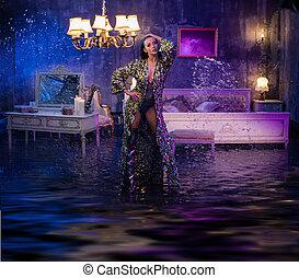 Retrato de una hermosa dama en un apartamento inundado conceptual