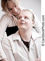 Retrato de una joven pareja amorosa