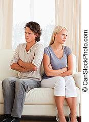 Retrato de una pareja después de una discusión