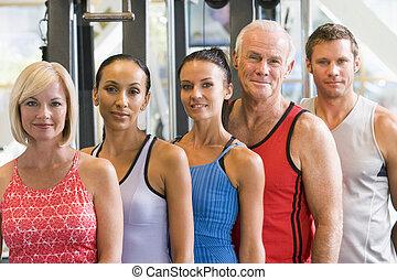 retrato, gimnasio, hombres, mujeres