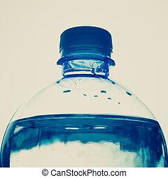 Retro, mira la botella de agua