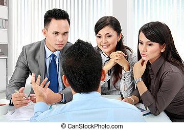 Reunión de negocios en la oficina