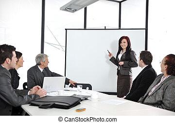 Reunión de negocios - grupo de gente en la presentación