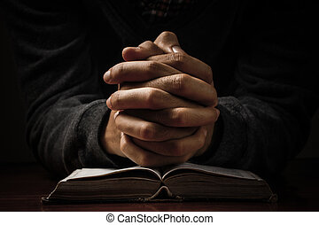 Rezando con la Biblia