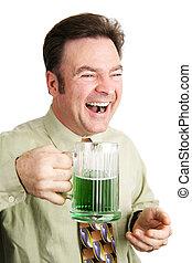 Riendo y celebrando el día de los Patrick