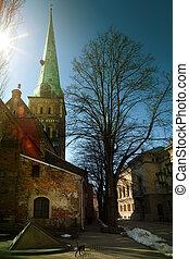 Riga, iglesia en la vieja ciudad