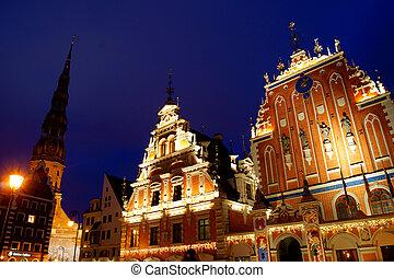 Riga por la noche