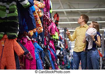 ropa de deporte, esquí, joven, caucásico, pareja, escoger