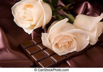 Rosa blanca en seda marrón