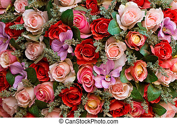 Rosas coloridas falsas
