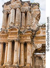 Ruinas de la iglesia llamada Iglesia del Carmen en Antigua, Guatemala.