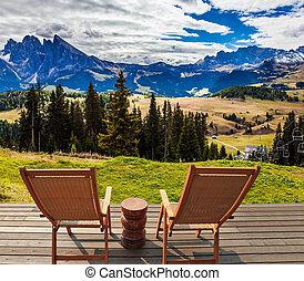 salón, dos, sillas, terraza, hotel