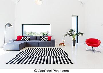 Sala de estar con sofá cómodo