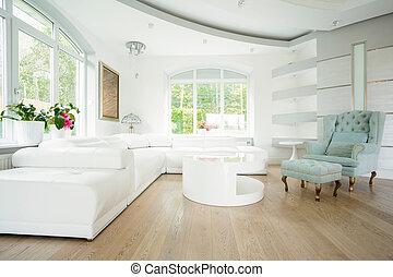Sala de estar de lujo en colores pastel