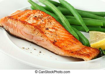 salmón, fellet, primer plano, frijoles, asado parrilla, verde