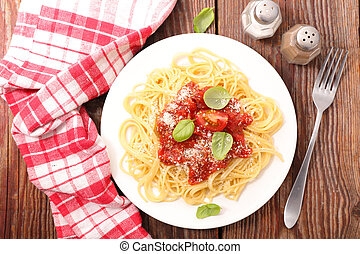 salsa, placa, parmesano, albahaca, tomate, espaguetis