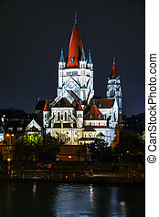 San Francisco de la iglesia de Asisi en Viena, Austria