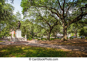 Savannah Park con estatua