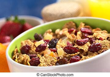 (se, tazón, algunos, jugo, secado, delicioso, desayuno, others), plátanos, (cranberries, nueces, yogur, lleno, alrededor, wholewheat, pasas, fruits, naranja, sano, escamas, fruits, mezclado, fresco